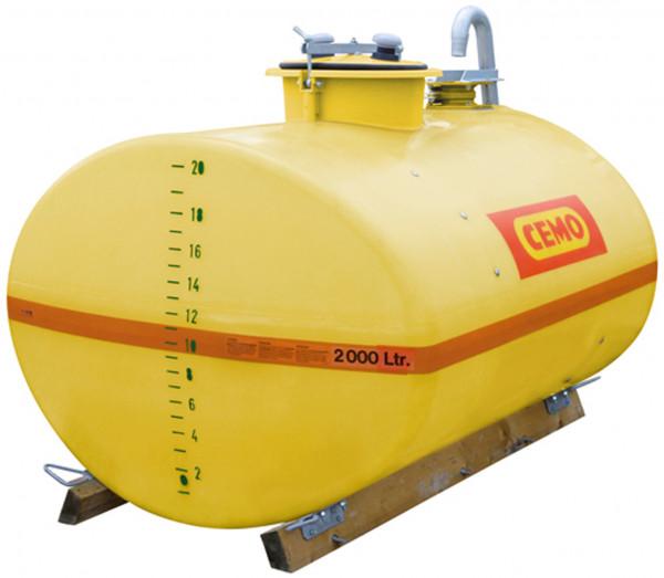 Beispiel GFK-Fass 2000 Liter mit Holzkufen Dom mittig und mit C-Füllanschluss