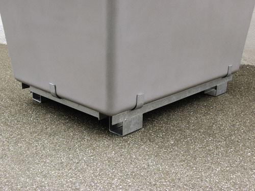 Beispiel Stahlfußpalette für 1000 / 1100 Liter Behälter