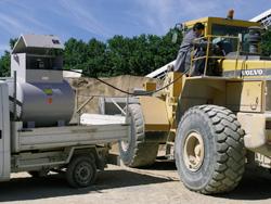 DT-Mobil-liegend-in-Aktion-Baustelle